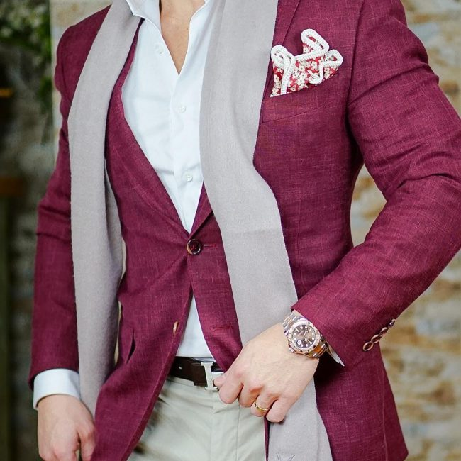 12 The Fitted Maroon Blazer