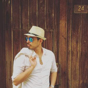 13 Perfect Fitting Straw Hat with a Cool Shirt