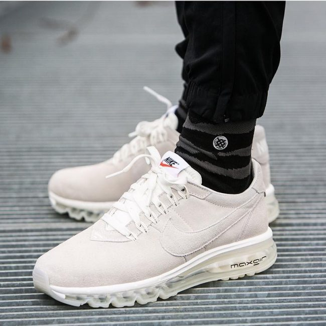 14 Nike Air Max LD Zero Sneakers