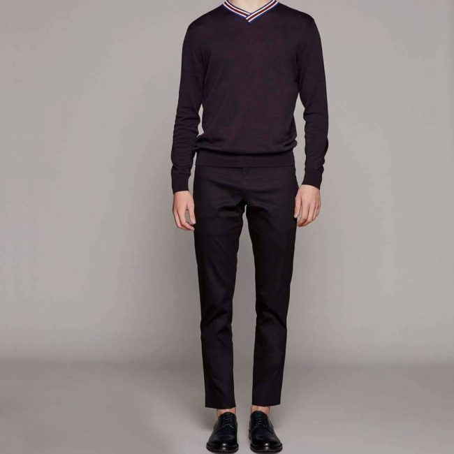 15 Black Pants & Black V-Collar Sweater