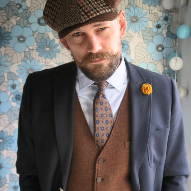 15 Checked Hat with a Cool Suit