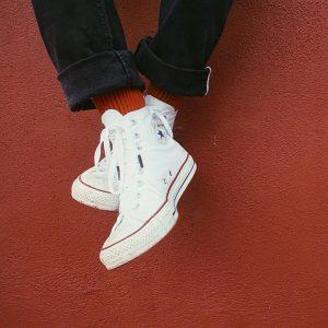 16 Red Stripe Converse