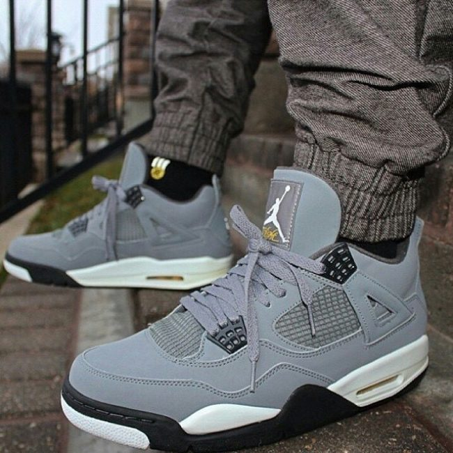 17 Cool Grey 4s