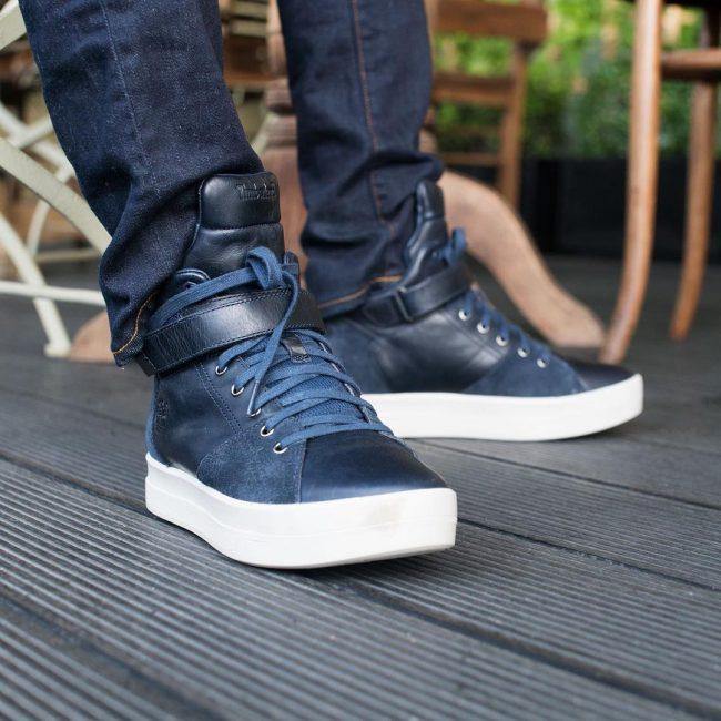 18 Black & Blue Chukka Boots