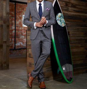 19 A Blue Tie & Grey Square Suit