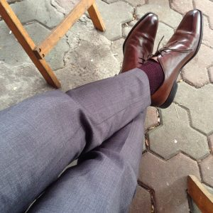 19 Fitted Gray Pants & Brown Whole-Cut Oxford Shoes