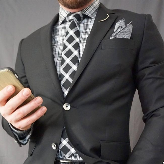 19 Unstructured Suit with Plaid