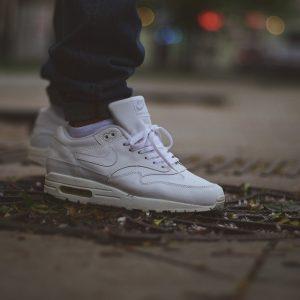19 Vintage All Whites