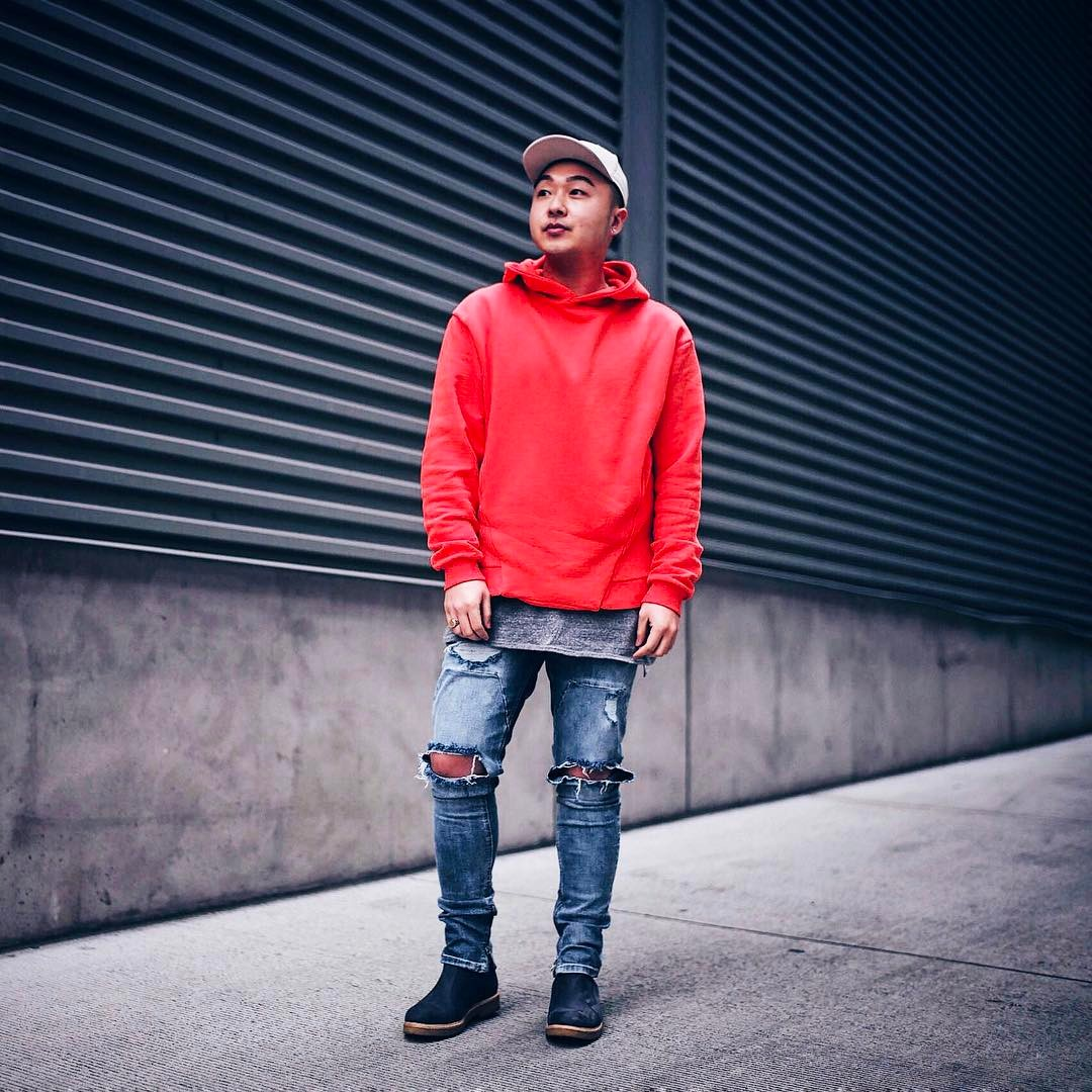 7fb2adda 25 Stunning Ways to Wear The Red Hoodie – Colorful and Exquisite