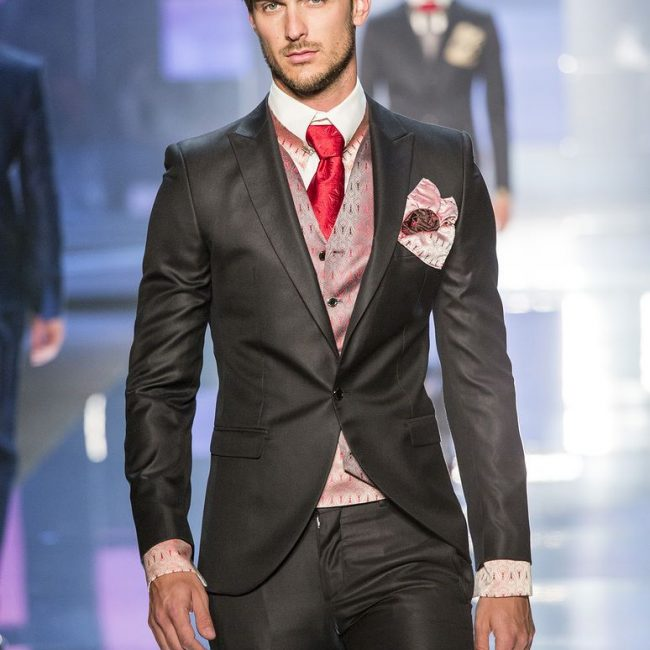 22 Red Tie & Shinny Black Fitted Designer Suit