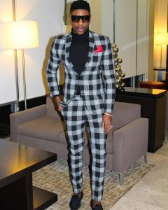 23 Black-White-Gray Checkered Casual Suit