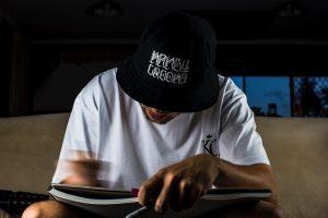 25 Dazzling Graffiti on Bucket Hat