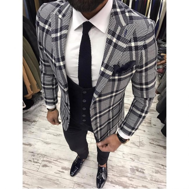 25 Exquisite Check Jacket