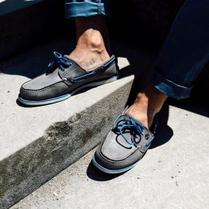 25 Gray Decks with Blue laces