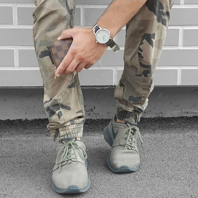 26 Camouflage Jeans With Athletic Shoes