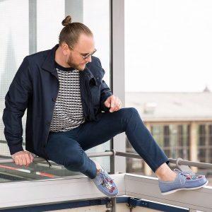 26 Patterned Blue Boat Shoes