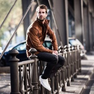 28 Brown Leather Jacket with Skinny Jeans