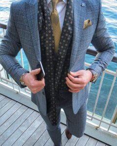 29 Fitted Plaid Blue 3- Piece Tweed Suit