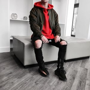 32 Red Hoodie With Ripped Jeans