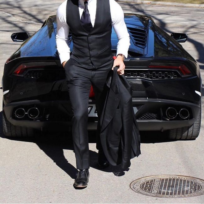 7 Fitted 3-Piece Black Suit