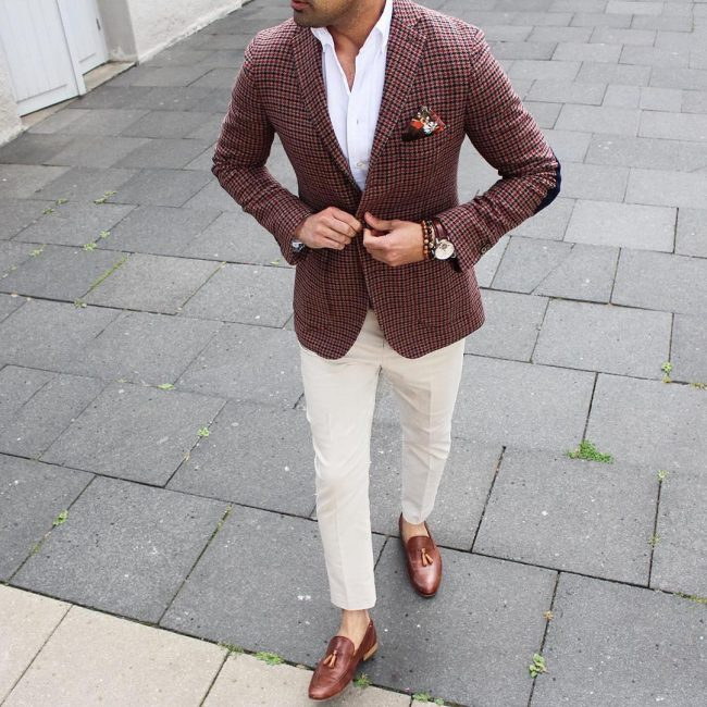 8 Cream White Pants & Brown Checkered Blazer