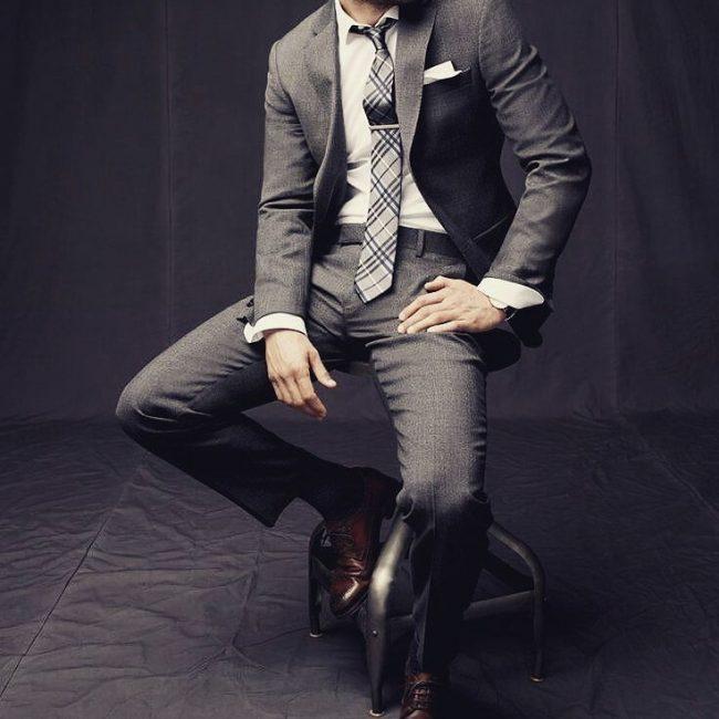 8 Gray Slim-Fit Suit & Brown Cap-Toe Derby Shoes