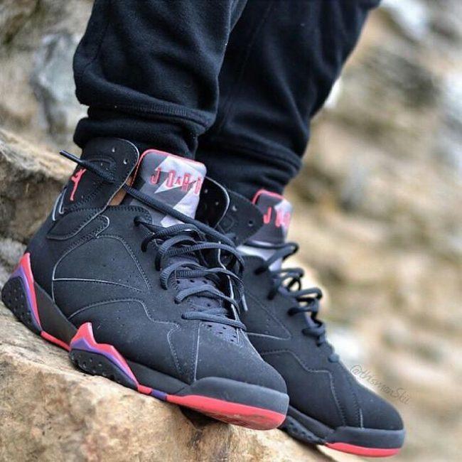 8 Stylish rare Black Kicks