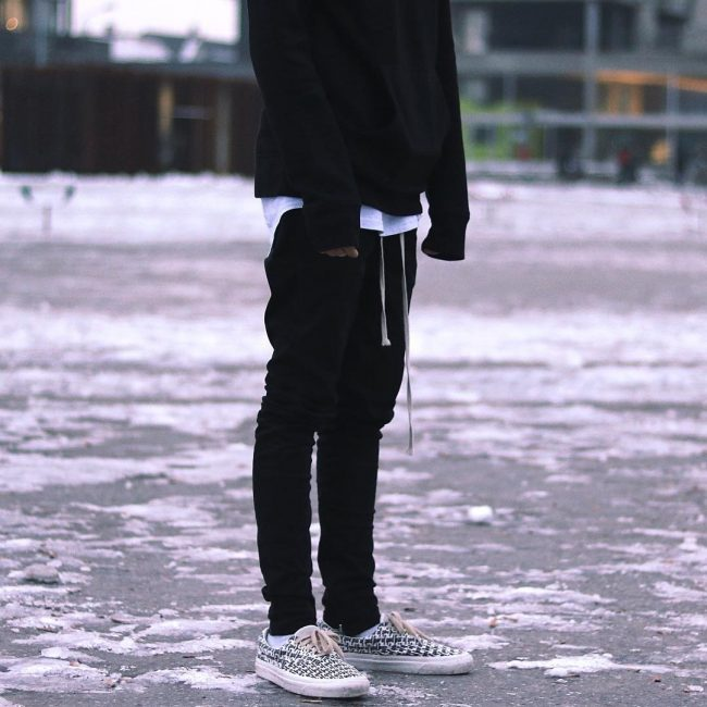 9 Black and White Urban Wear