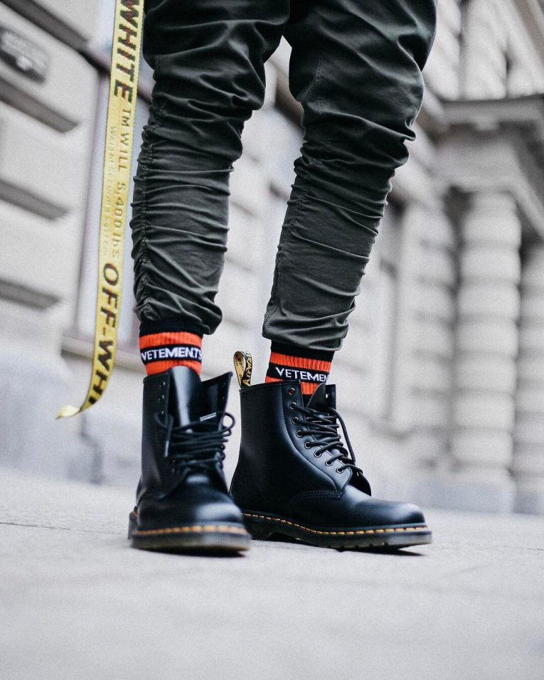 8551d0894e5c57 40 Unique Ways to Style Dr Martens Boots - Iconic And Stylish