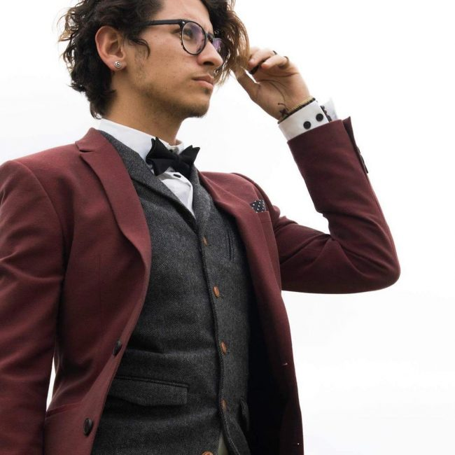 40 Eye Catching Maroon Suits That You Should Wear This Year