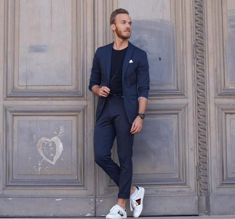 45 Ways To Style Royal Blue Pants - Super Combinations For Men Who ...