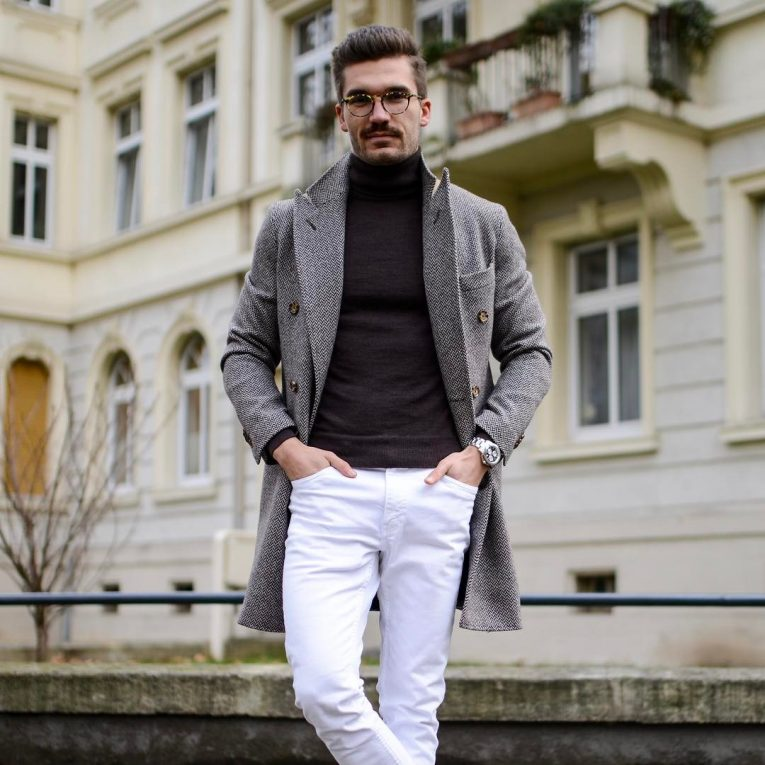 White Pants 28
