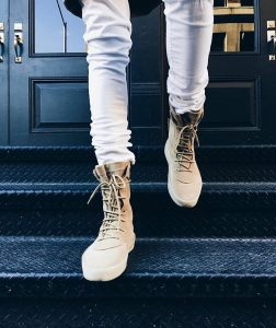 13 Beige Laced Up Rugged Boots