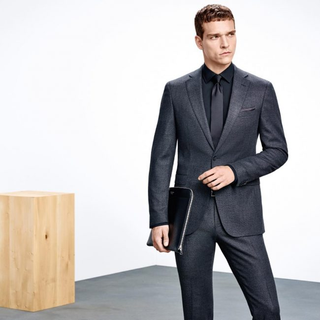 14 Fitted Single-Breasted Dark Gray Suit