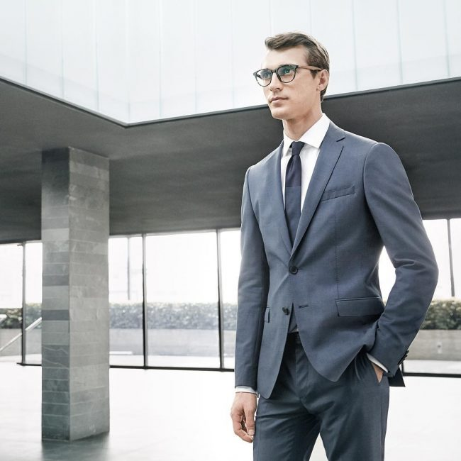 15 Regular Fit Single Breasted Blue Suit