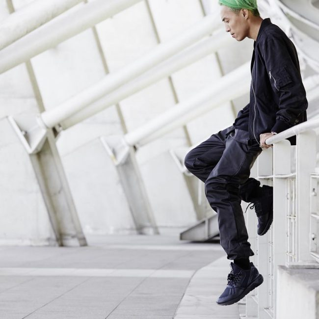 19 Sneakers with Black Leather Joggers