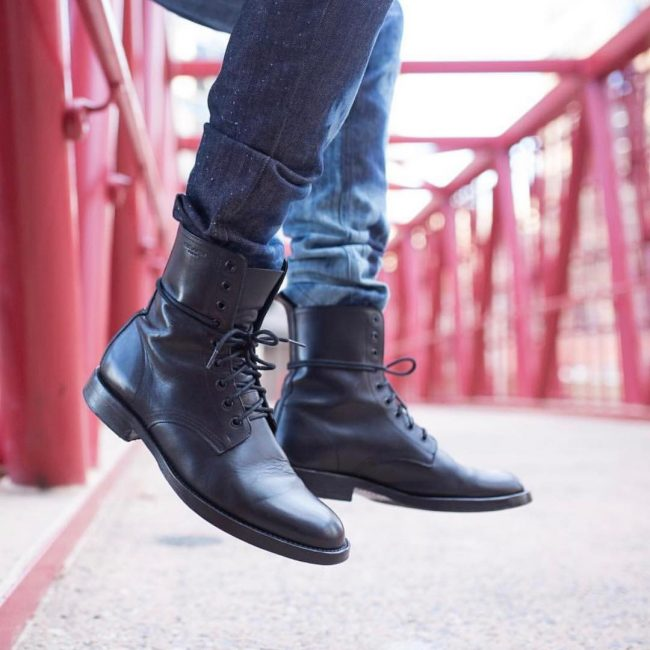 21 Black Plain Toe Laced Up Boots