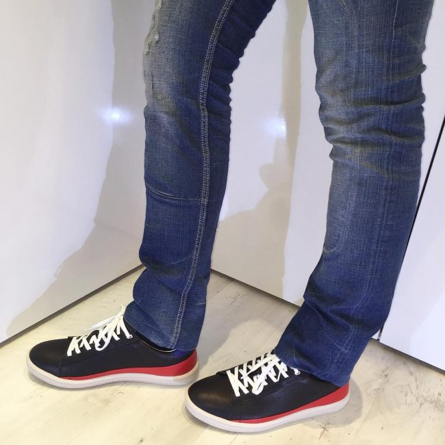 22 Black-Red- White Low Sneakers