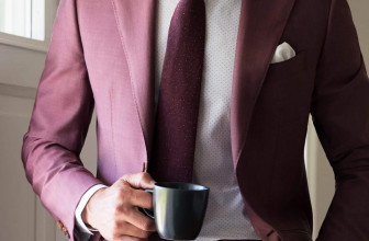 25 Eye-Catching Maroon Suits That You Should Wear This Year