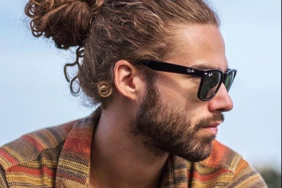 40 Lovable Man Bun Hairstyle Ideas-The Easy and Sexy Headdress