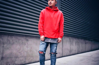 25 Stunning Ways to Wear The Red Hoodie – Colorful and Exquisite
