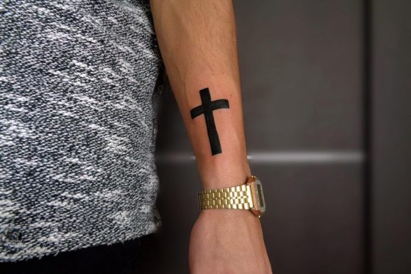 90 Meaningful Cross Tattoo Ideas For Men – A Timeless Spiritual Classic