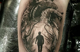 45 Incredible Anatomical Heart Tattoo Designs – The Art of Biological Realism